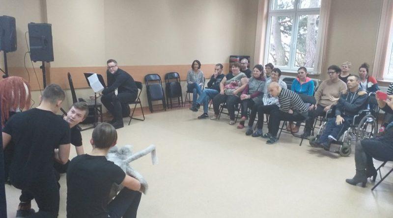 Grupa Teatralna ze Szkoły Podstawowej w Kuninie