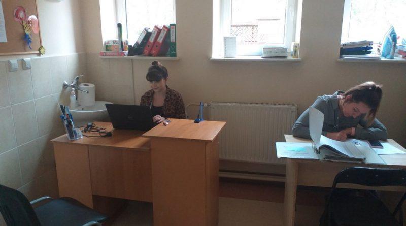Praca pracowników podczas pandemii Covid-19