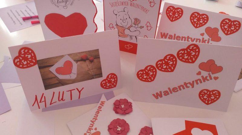Prezentacja Walentynek wykoanych przez pracowników Domu